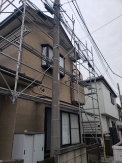 鶴ヶ島市で仮設足場工事が完了しました
