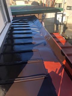 屋根の塗装工事を施工しました
