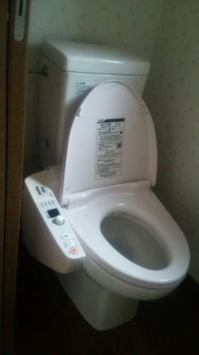 鴻巣市でトイレの水漏れ、トイレ排水詰り、修理金額明記