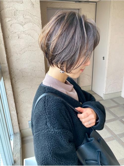 ハンサムショート 丸みショート 女性 髪型