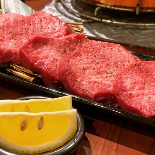 テイクアウト|お持ち帰りやってます♪お好きな肉をチョイス♪