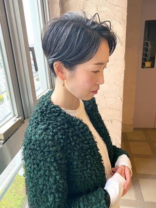 ハンサムショート  刈り上げ女子 春カット