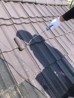 屋根セメント瓦の遮熱塗装工事を施工してきました