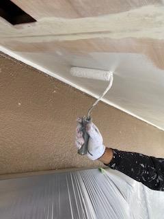 軒天の塗装工事を施工しました
