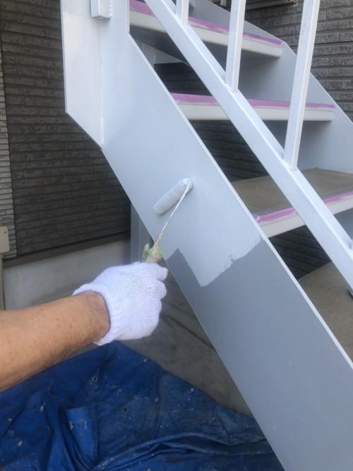 日高市で鉄骨階段錆止め塗装工事を施工しました