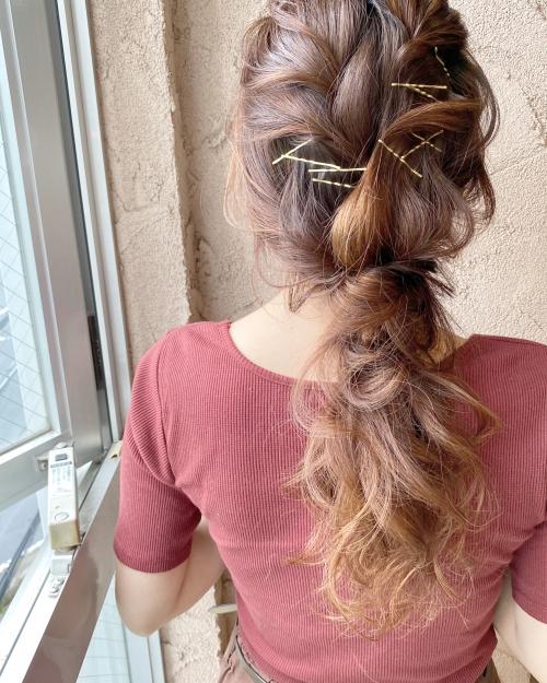 編みおろしアレンジ ピンアレンジヘア