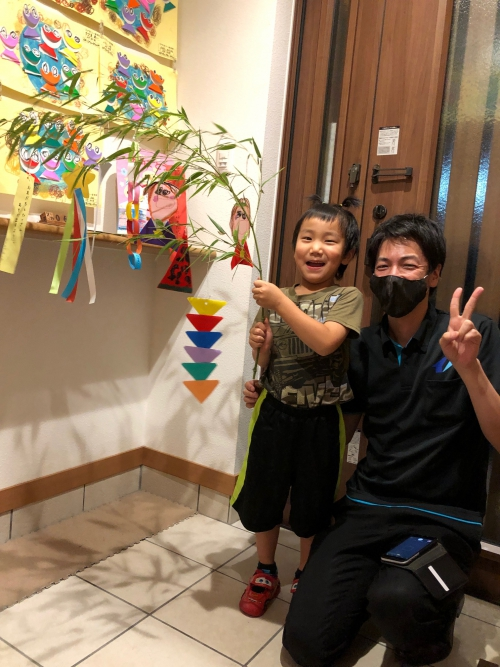 七夕様、楽しく作った笹飾り!願い事が叶いますように!