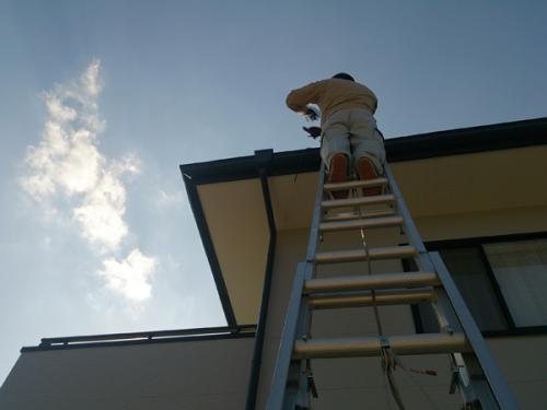 綾瀬市の屋根塗替えは点検無料のマルセイテックへ