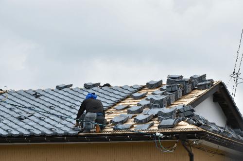 綾瀬市の瓦屋根工事は屋根工事専門のマルセイテックへ