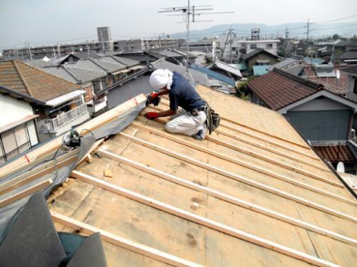 相模原市の屋根葺き替え工事業者は屋根専門店のマルセイテックへ