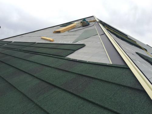 座間市の屋根カバー工法は自社施工のマルセイテックへ