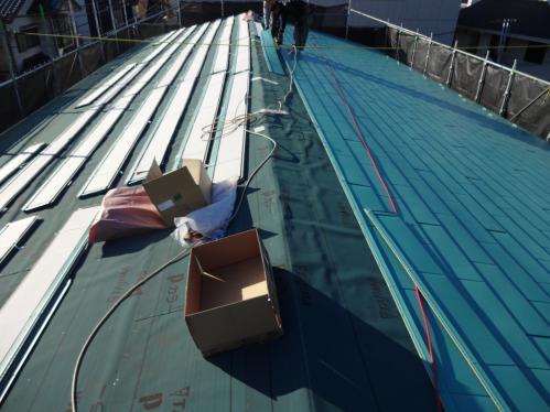 座間市の屋根カバー工法は腕の良い職人在籍のマルセイテックへ