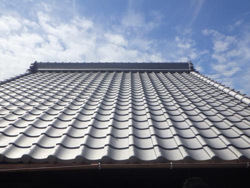 寒川町の瓦屋根修理は屋根工事専門店のマルセイテックへ