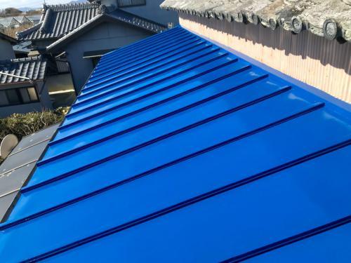 寒川町でトタン屋根の塗装は高品質施工のマルセイテックへ