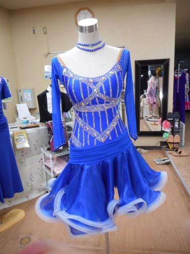 ムーブメント最高のロイヤルブルーのラテンドレス