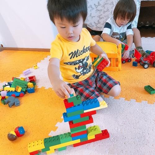 ファミリー託児所 お部屋でレゴあそび