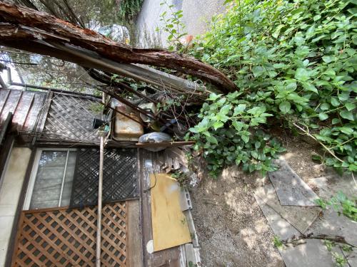 アパート2階からのかたづけ整理と残置物撤去を八王子市便利屋