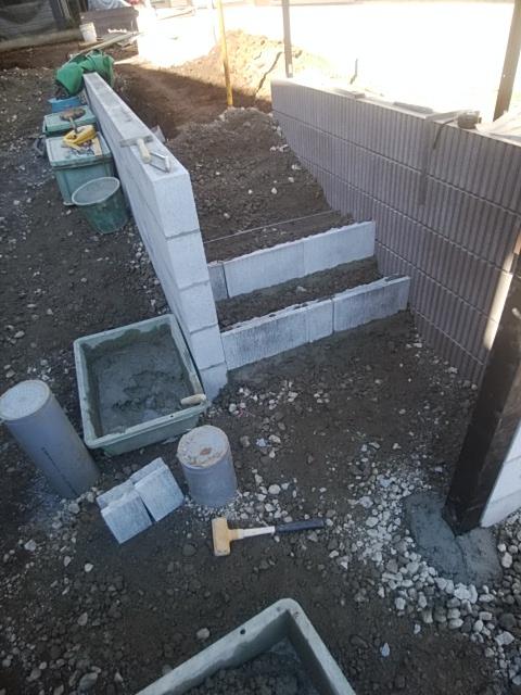 川崎市麻生区で、外構工事です。