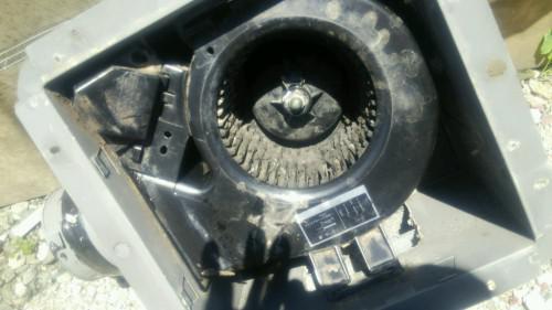 幸手市、白岡市換気扇修理、異音がする、加須市電気店で42年
