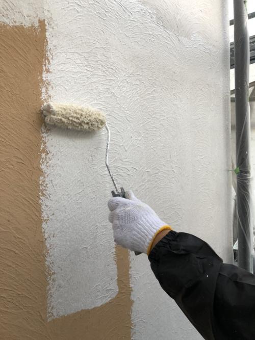 外壁モルタルの下塗り塗装工事を施工してきました