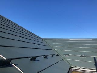 屋根コロニアルガルバカバー工法工事が完了が完了しました