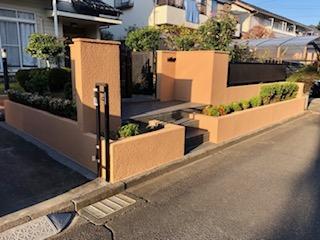 鶴ヶ島市で外構門の塗装工事を施工致しました
