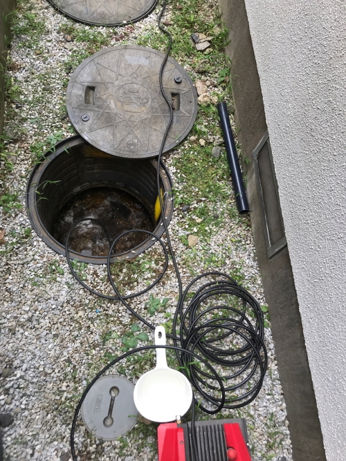 さいたま市にてトイレつまりの為、高圧洗浄作業実施。