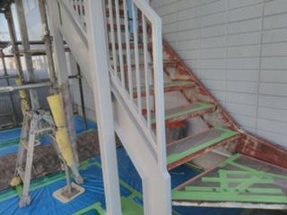 坂戸市で共用階段錆止め塗装工事を施工してきました