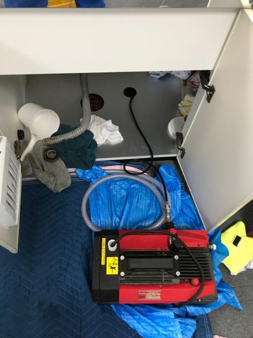 さいたま市にてキッチンつまりの為、高圧洗浄作業実施。