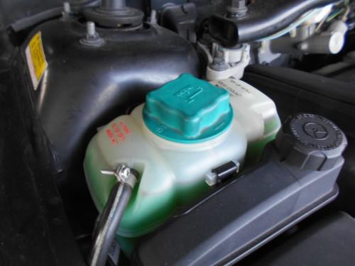 ボルボV70 2.4クーラントタンクにオイル混入原因だけ掴む