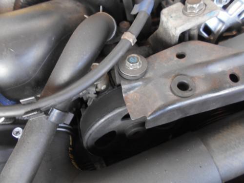 スバル レガシィーP/Sポンプからのオイル漏れでリビルト取替