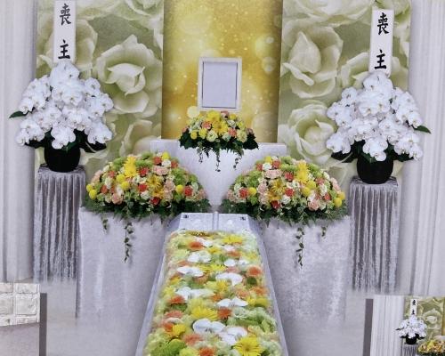 少ない人数でも寂しくならない家族だけのお花でお見送り