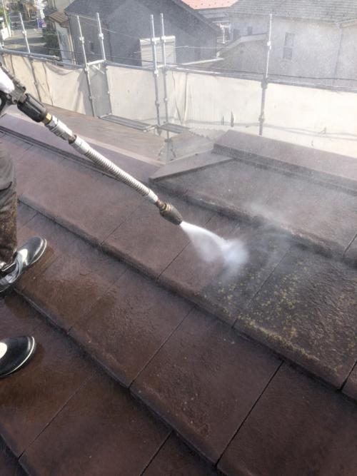 鶴ヶ島市で屋根モニエル瓦の高圧洗浄をしてきました
