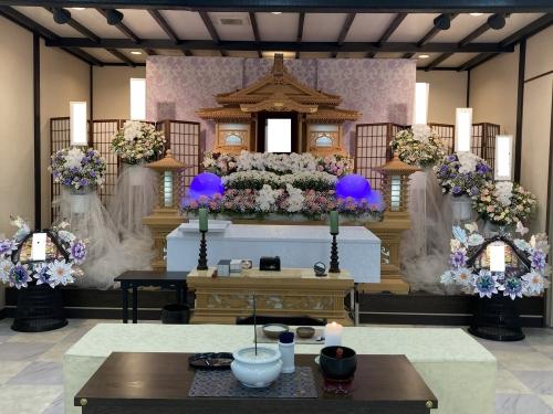 秦野葬祭ホールでお寺様に来て頂いて1日葬でした