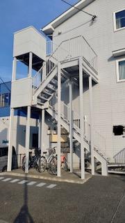 坂戸市で共用部階段塗装工事が完了しました