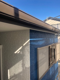 鶴ヶ島市で雨樋の塗装工事を施工してきました