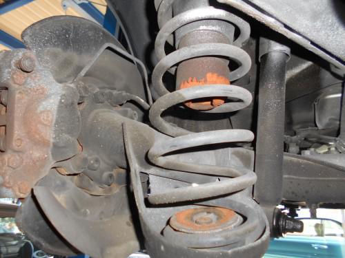 ボルボV70 (8B系)リヤバンプラバー新車から左右無交換