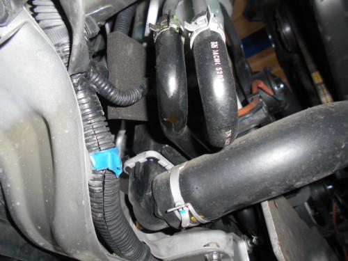 スバル レガシィーATオイルクラーラジエータ側から漏れ