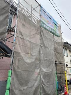 新宿区で仮設足場工事が完了しました