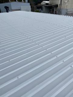 都幾川町で折板屋根断熱塗装工事を施工しました