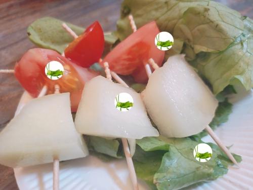 すず虫の食事