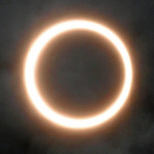 金環日食新月