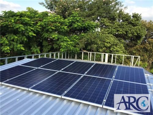屋根の上を有効活用し自家消費型太陽光発電で電気代削減を実現!