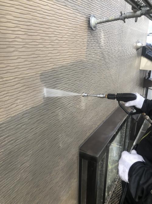 川越市で外壁高圧洗浄工事をしてきました