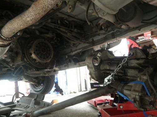 自動車修理工場の仕事みたい?これが本当の仕事です。